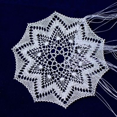 Torchon lace by Yvette. Pattern by Annie Vancraeynest
